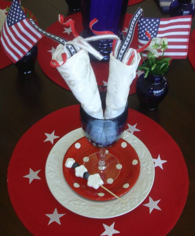 Firecracker placesetting