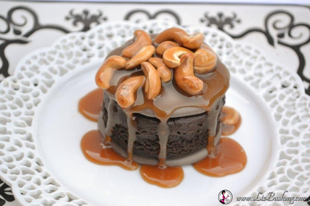 Chocolate Meringue Brownie with Cashew Caramel Sauce/www.lizbushong.com