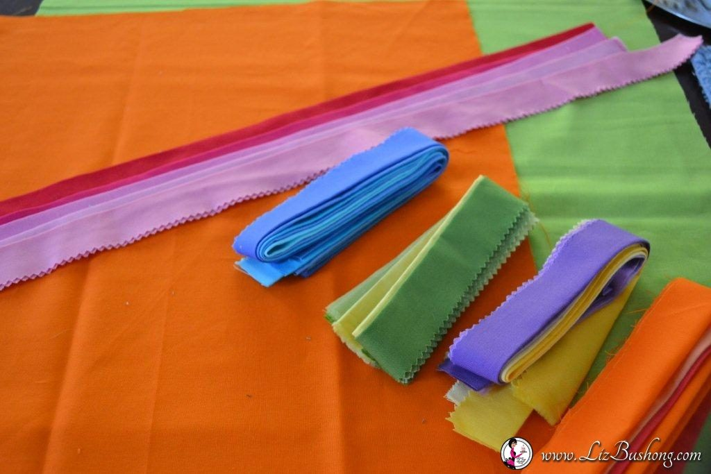 faux pleated pillow fabrics using Kona Cotton solids jelly roll fabrics/www.lizbushong.com