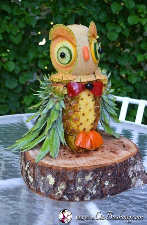 7 Steps to Create Pineapple Owl Centerpiece
