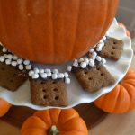 Mini Pumpkin Graham Dippers Recipe|www.serveitupsassy.com