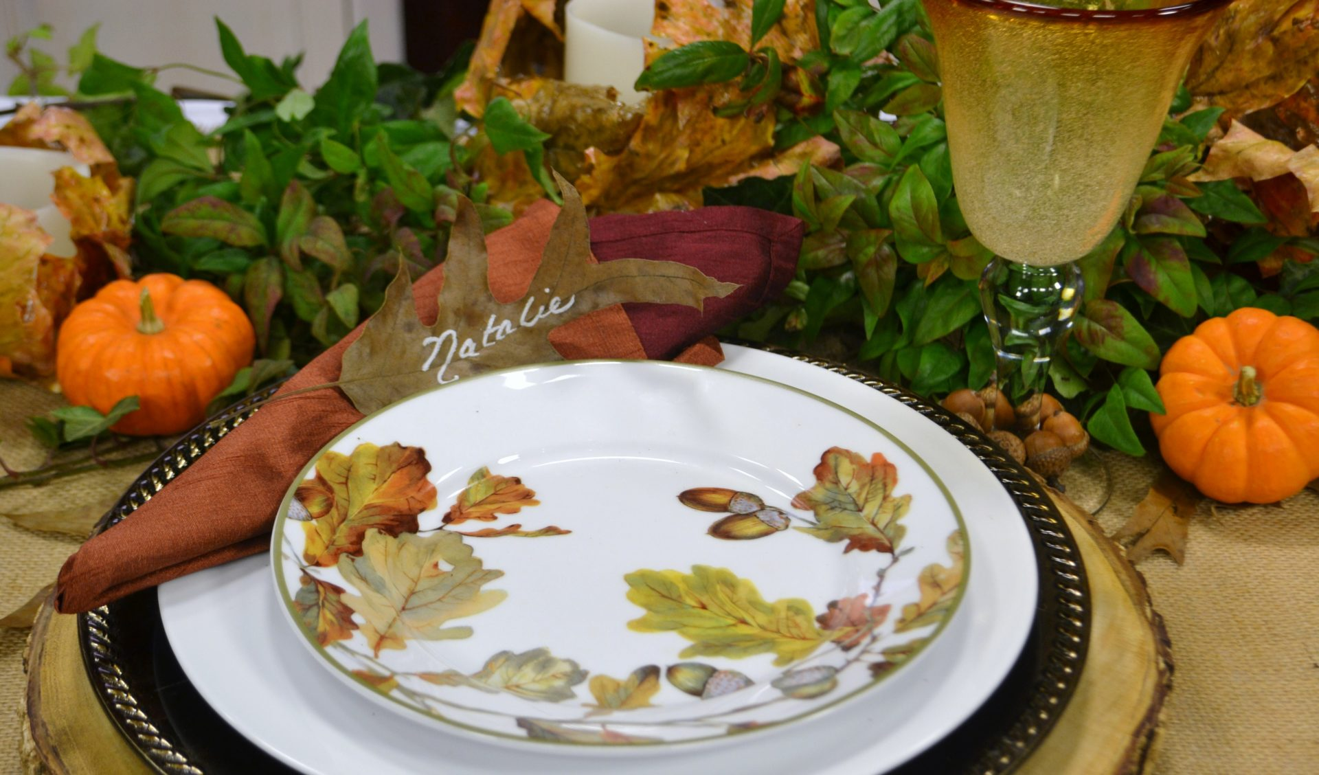 Thanksgiving Tablescape Ideas| www.lizbushong.com