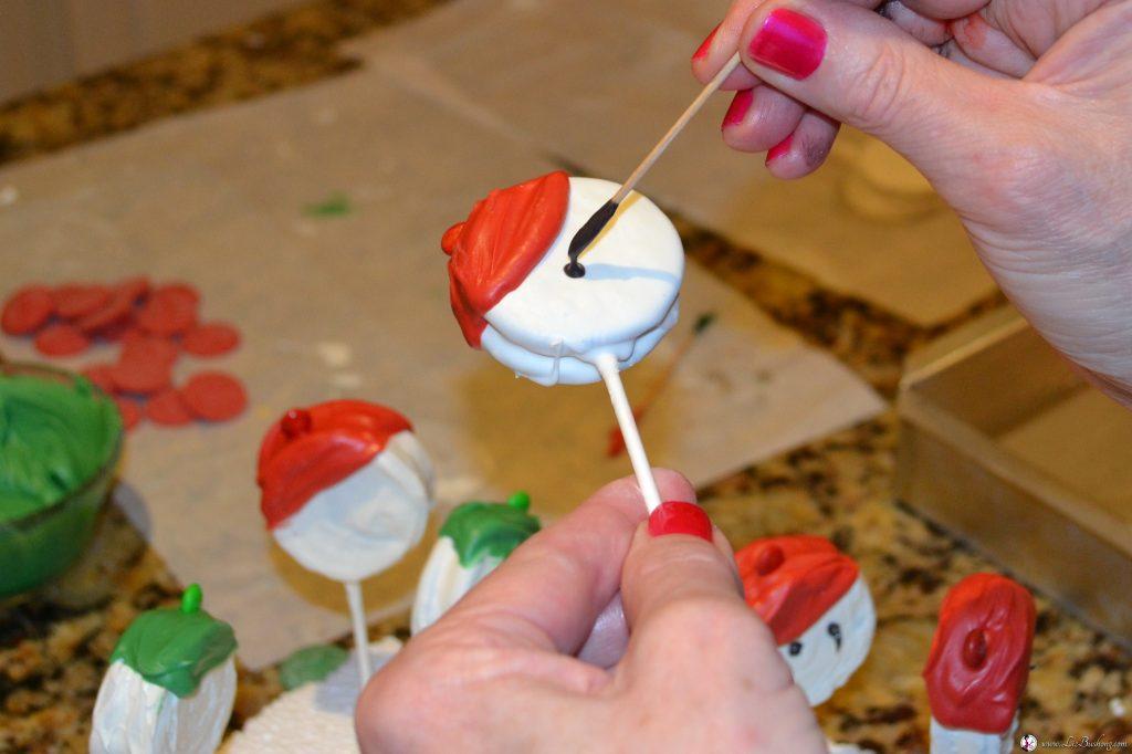 Snowmen Oreo Cookie Pops|www.lizbushong.com