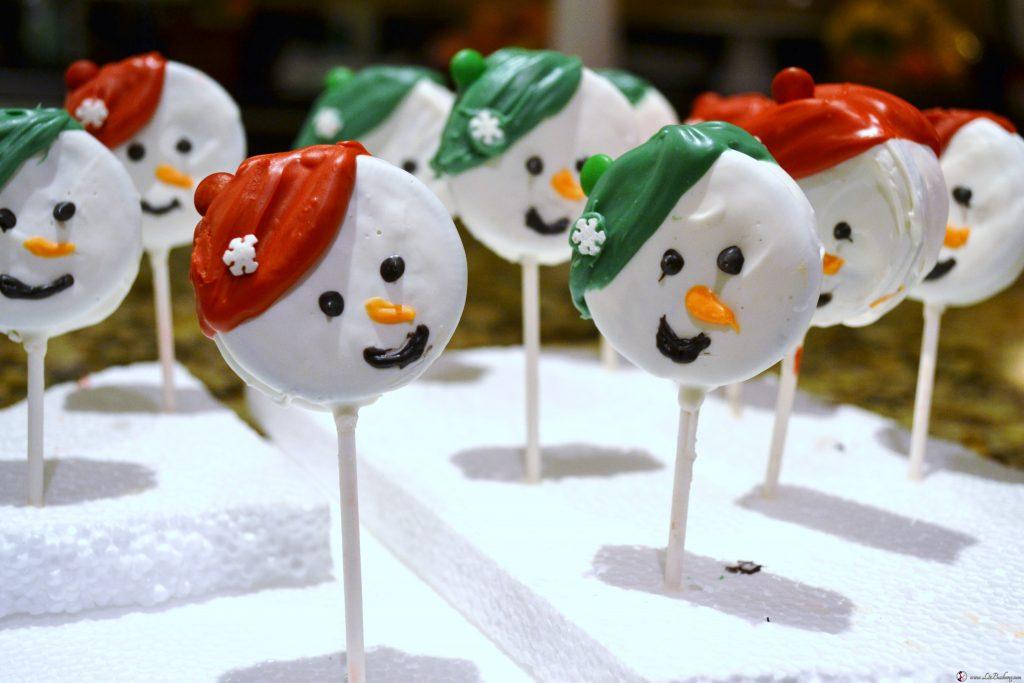 Snowmen Oreo Cookie Pops (6)|www.lizbushong.com
