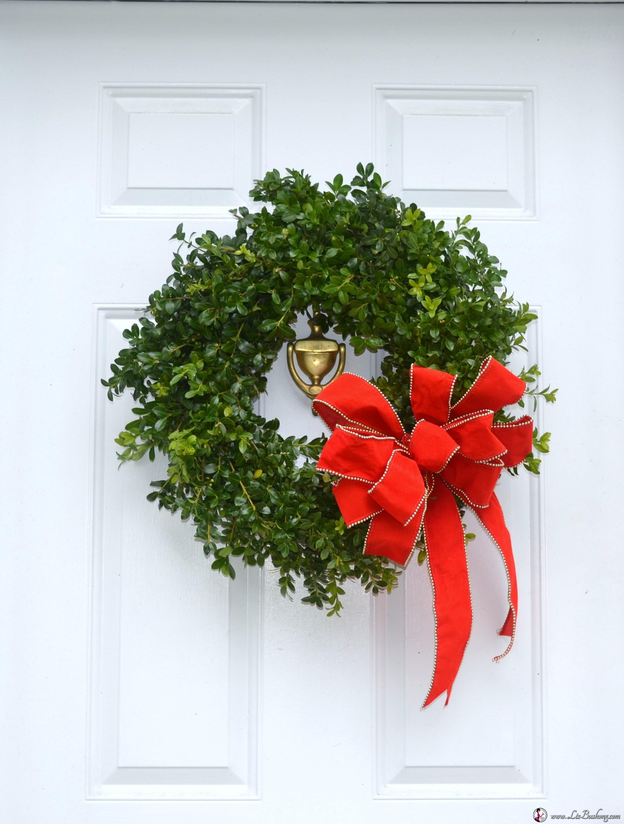 Boxwood Wreath On Door Wwwzbushong