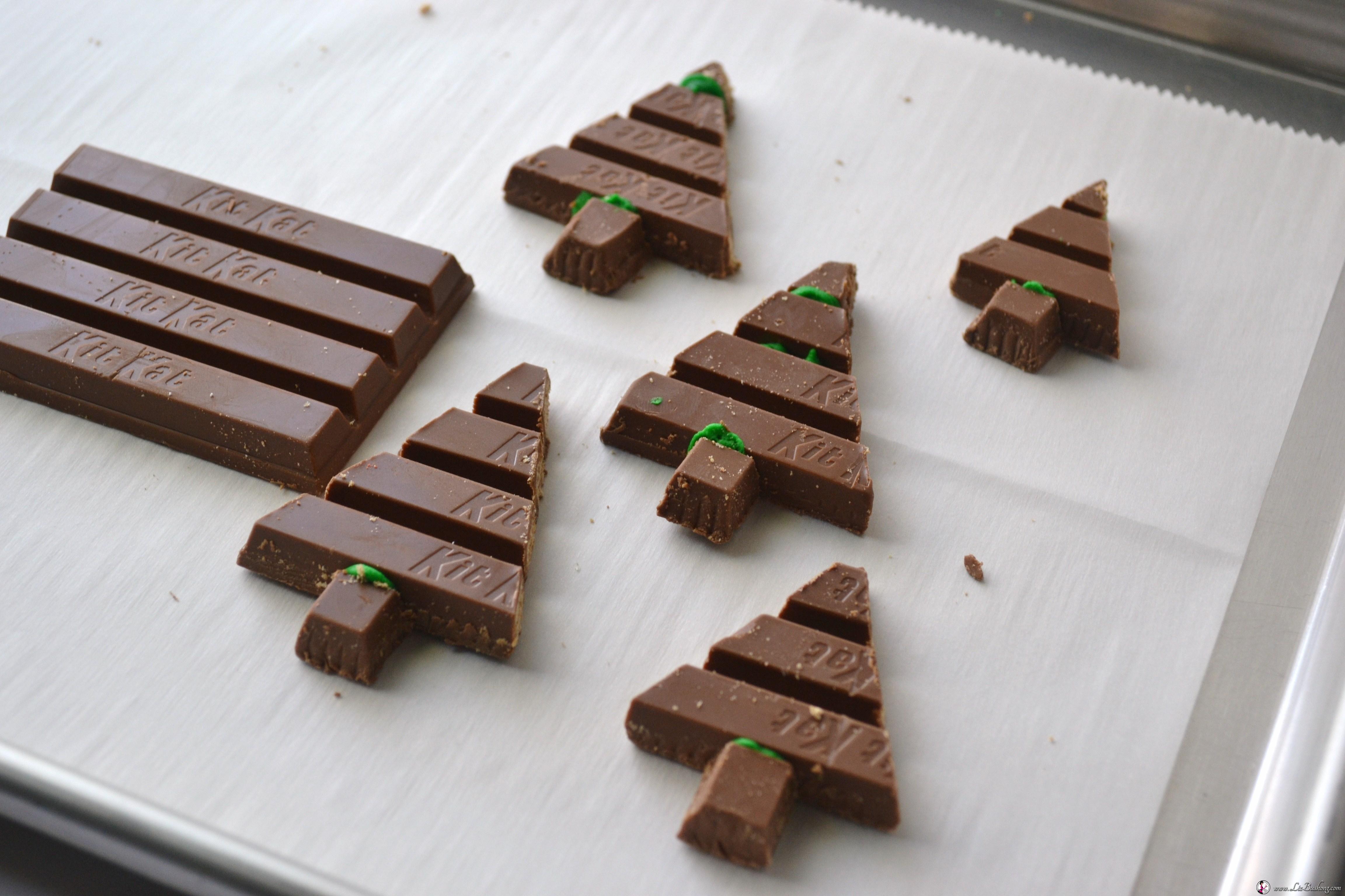 Christmas funs recipes - Kit kat christmas tree cookie