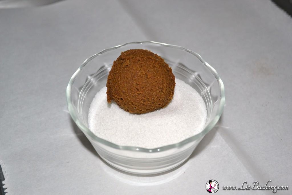http://lizbushong.com/wp-content/uploads/2016/11/gingersnap-spice-cookies-rolled-sugar-lizbushong.com_.jpg