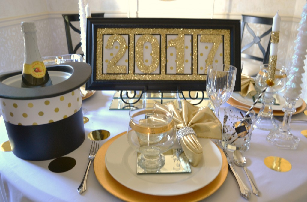 new-years-tablescape-table-top-lizbushong-com