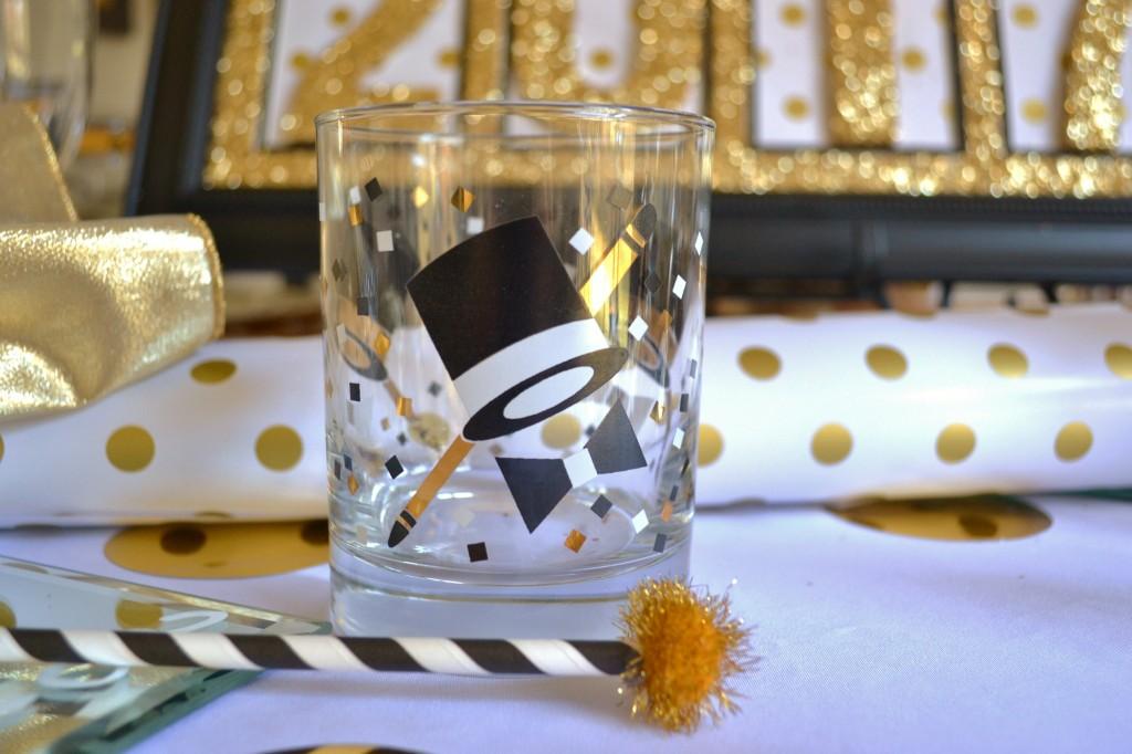 new-years-tablescape-tux-shot-glass-lizbushong-com
