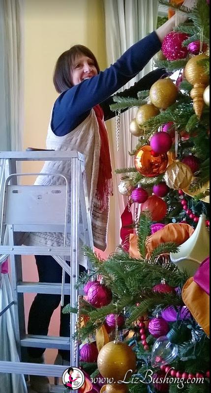 http://lizbushong.com/wp-content/uploads/2016/12/Vice-Presidents-Residence-2016-living-room-tree-lizbushong.com_.png