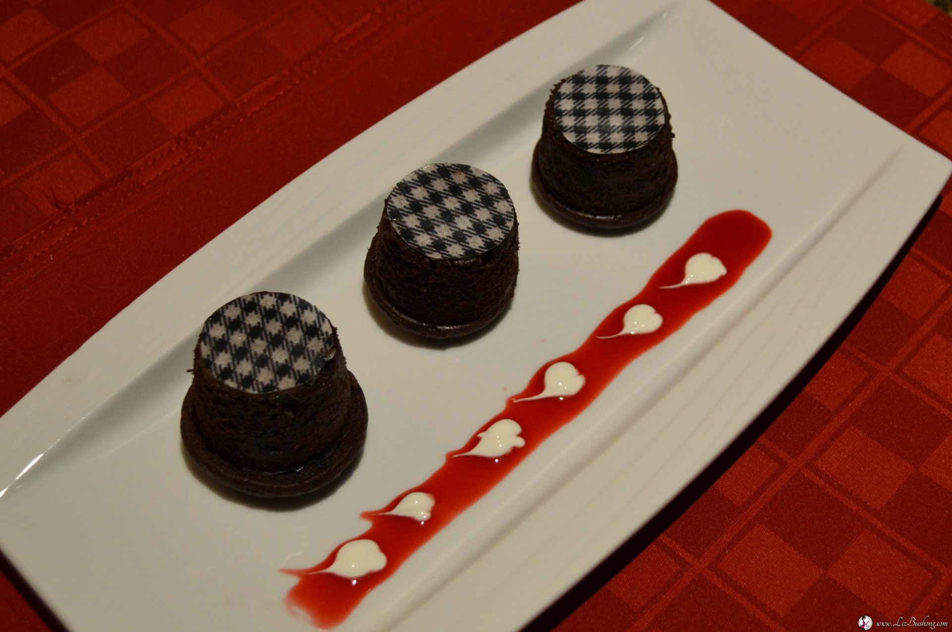 Chocolate Houndstooth Mini Cakes-Valentines Day Dessert www.lizbushong.com