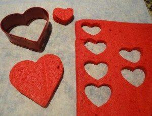 http://lizbushong.com/wp-content/uploads/2017/02/Twice-Baked-Valentine-Cupcakes-lizbushong.com-heart-shaped-cups.jpg