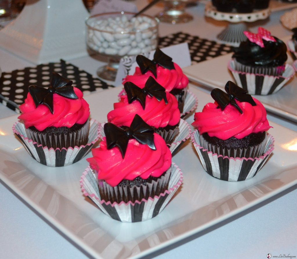 http://lizbushong.com/wp-content/uploads/2017/04/bridal-shower-hot-pink-cupcakes.jpg