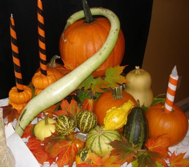 Pumpkin Gourd Centerpiece lizbushong.com