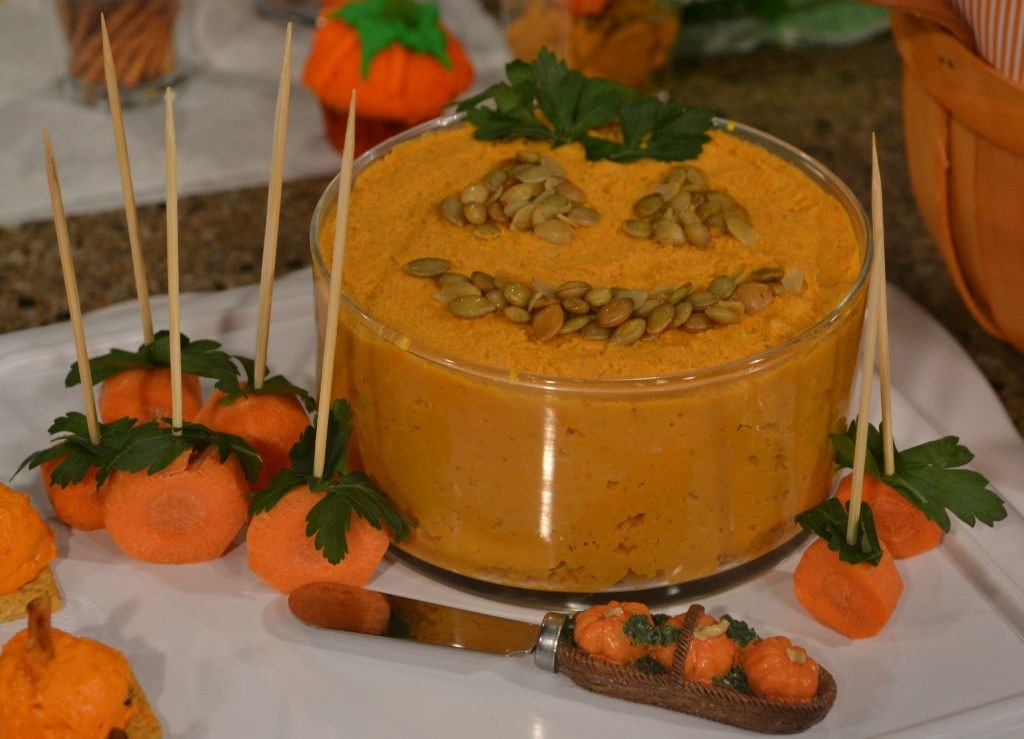 pumpkin hummus with carrot dippers