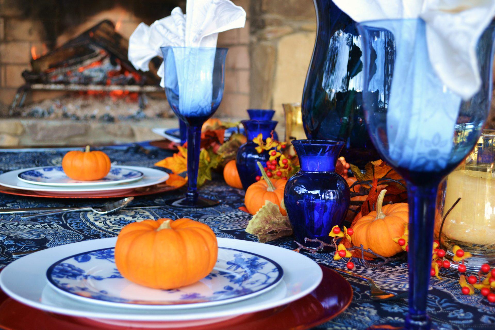 Thanksgiving Table Setting Cobalt Blue lizbushong.com