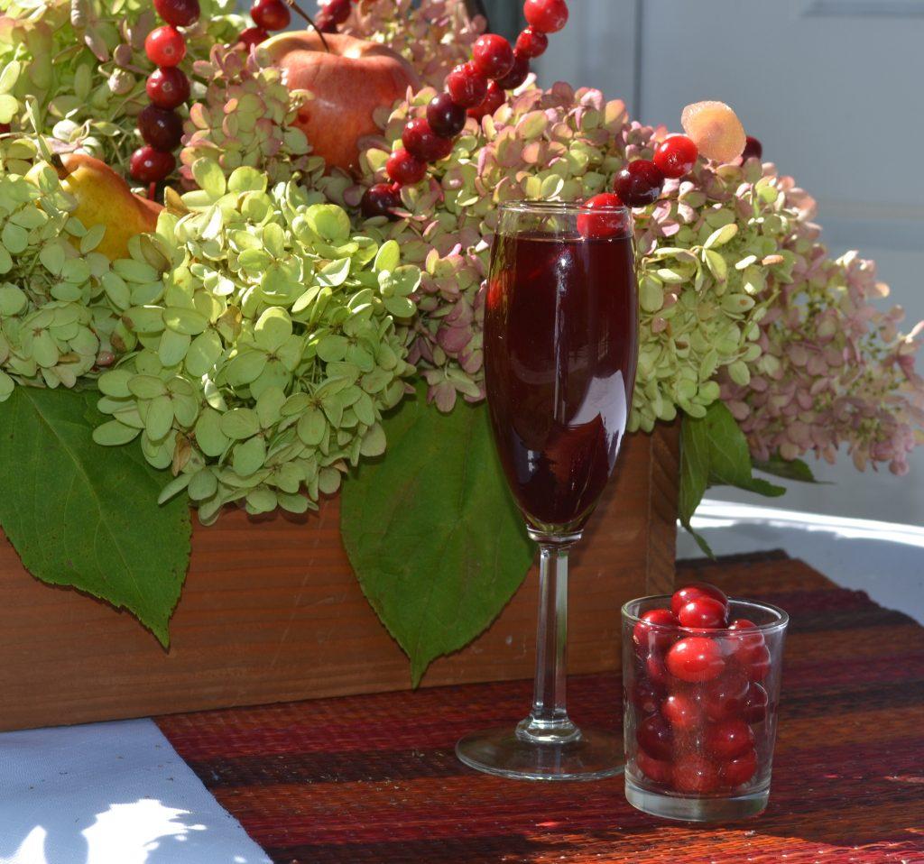 cranberry punch Cranberry tablescape