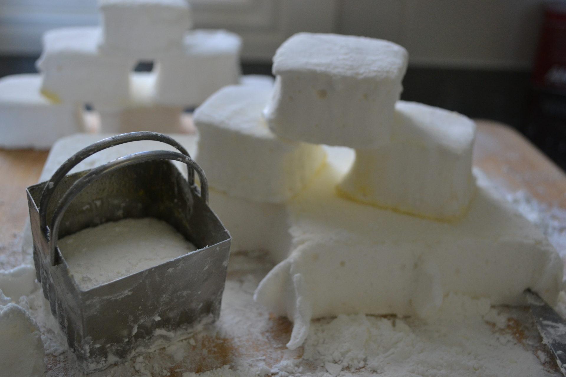 Homemade Marshmallow Recipe|www.serveitupsassy.com