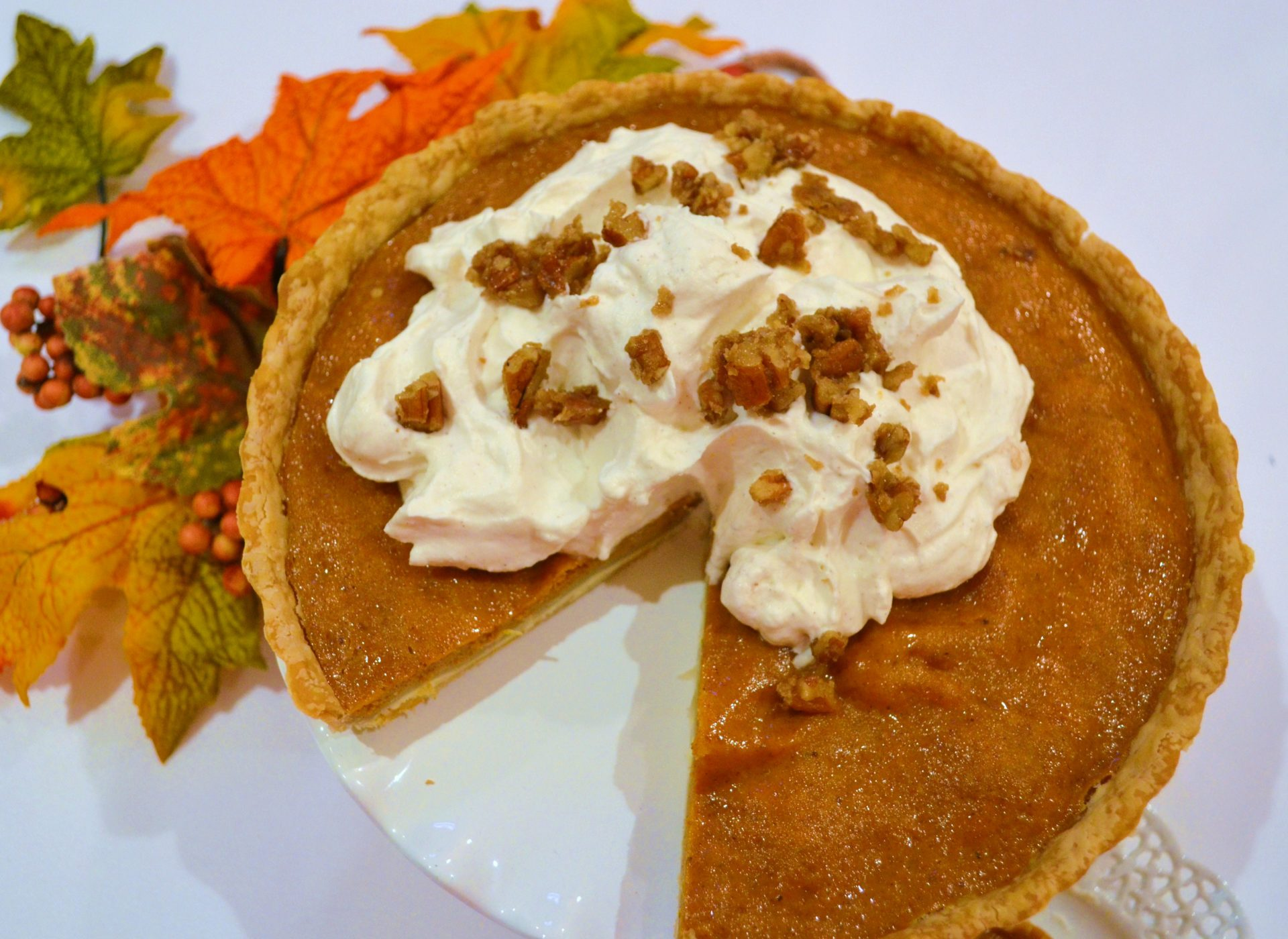Double Crust Pumpkin Tart with Whipped Cream and Pecan Toffee Recipe|www.lizbushong.com