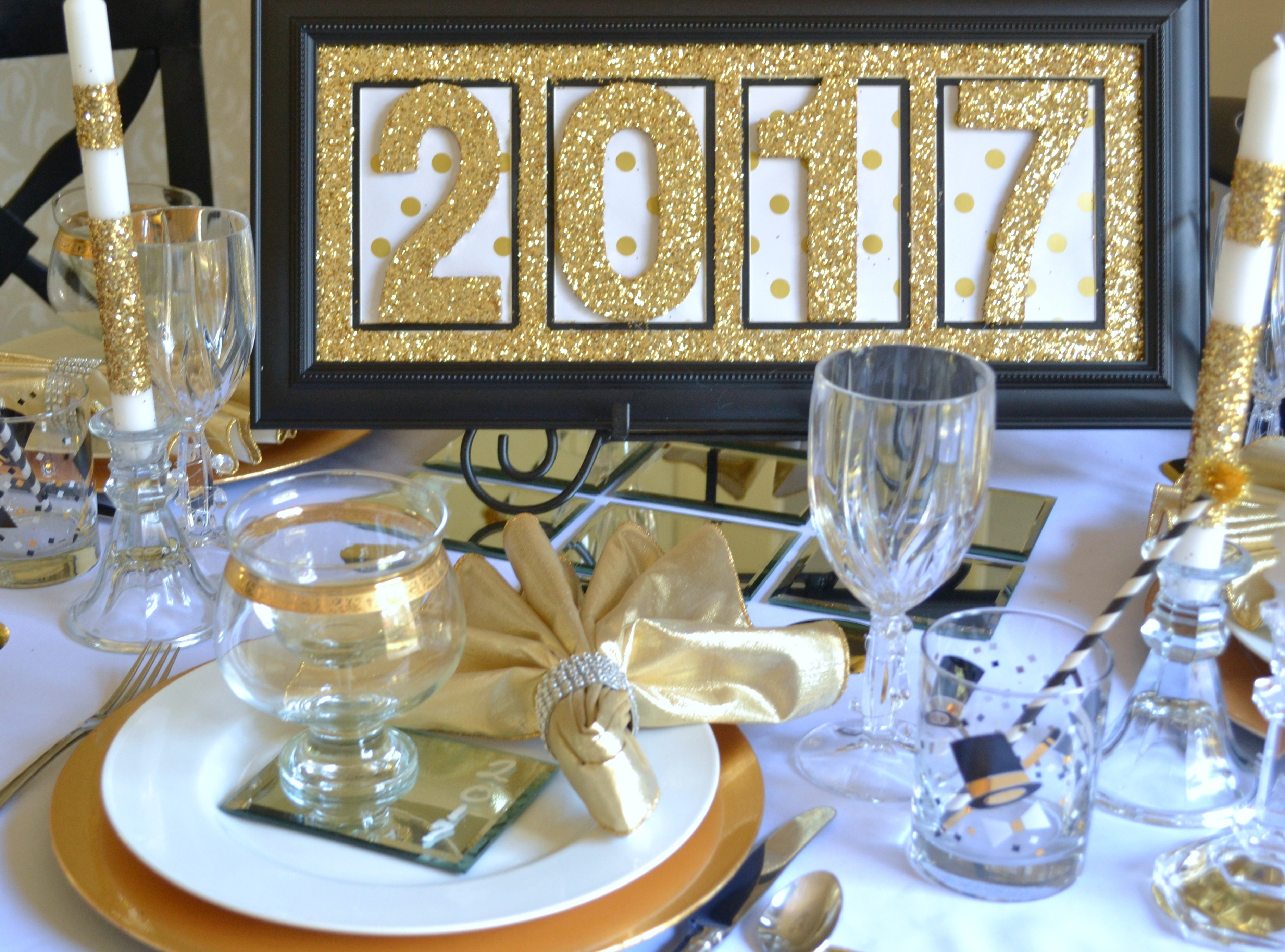 new-years-tablescape-2017-table-top-setting-lizbushong-com