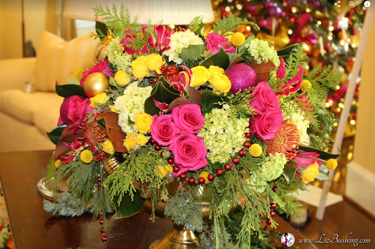 http://lizbushong.wpengine.com/wp-content/uploads/2016/12/Vice-Presidents-Residence-livingroom-floral-arrangement-lizbushong.com_.png