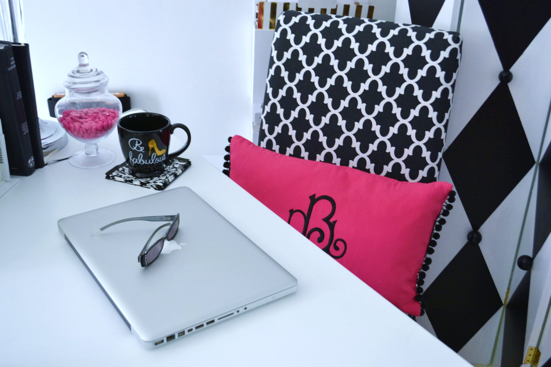Hot Pink, Black White office- desk top-lizbushong.com