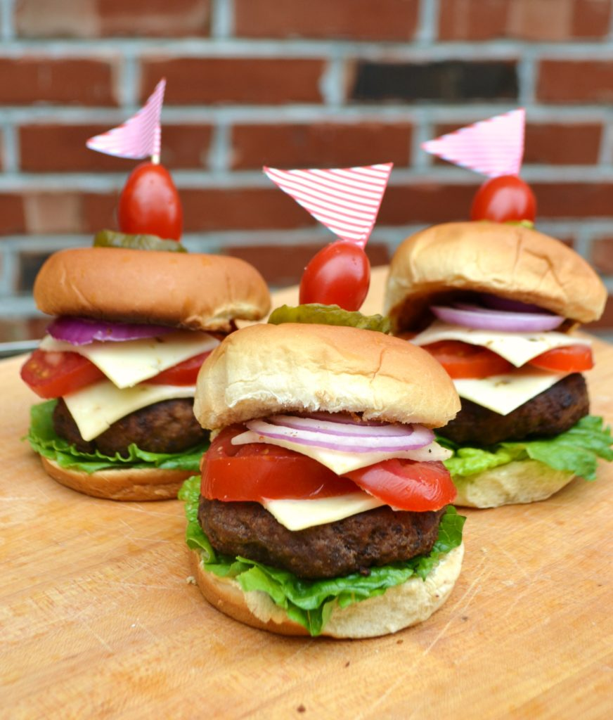 Mini Hamburger sliders for Summertime Entertaining at Home lizbushong.com