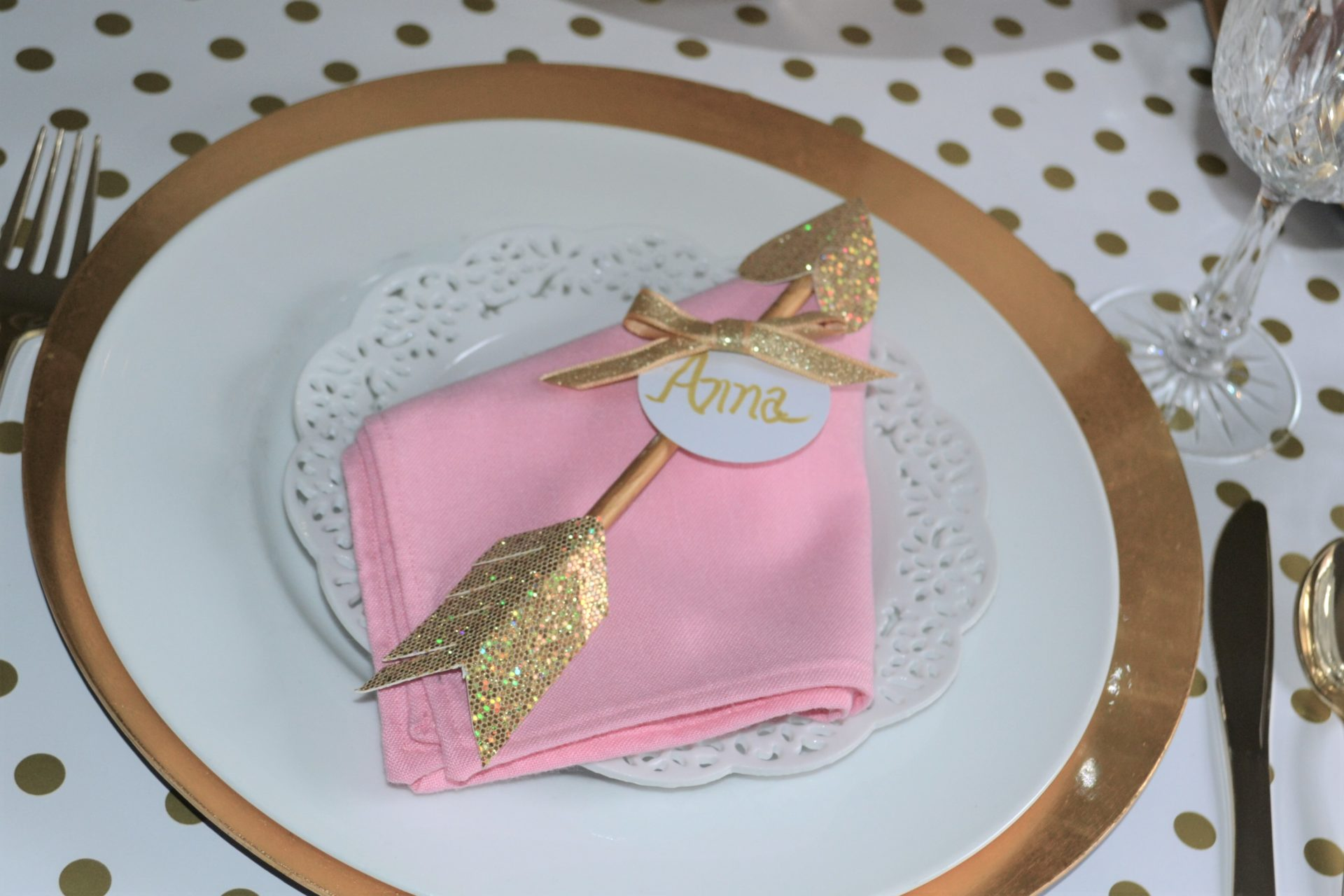 Arrow Dart Napkin Fold-with arrow placecard-lizbushong.com
