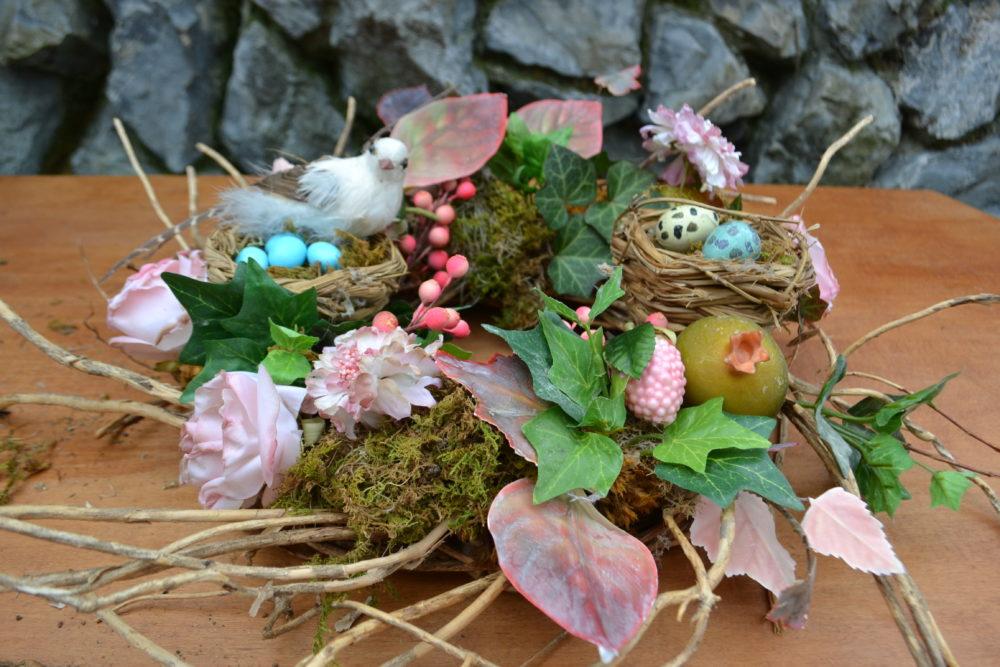 Spring Wreath Centerpiece- Step 6 lizbushong.com