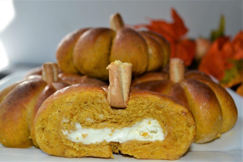 Pumpkin Stuffed Dinner Rolls 4-lizbushong.com