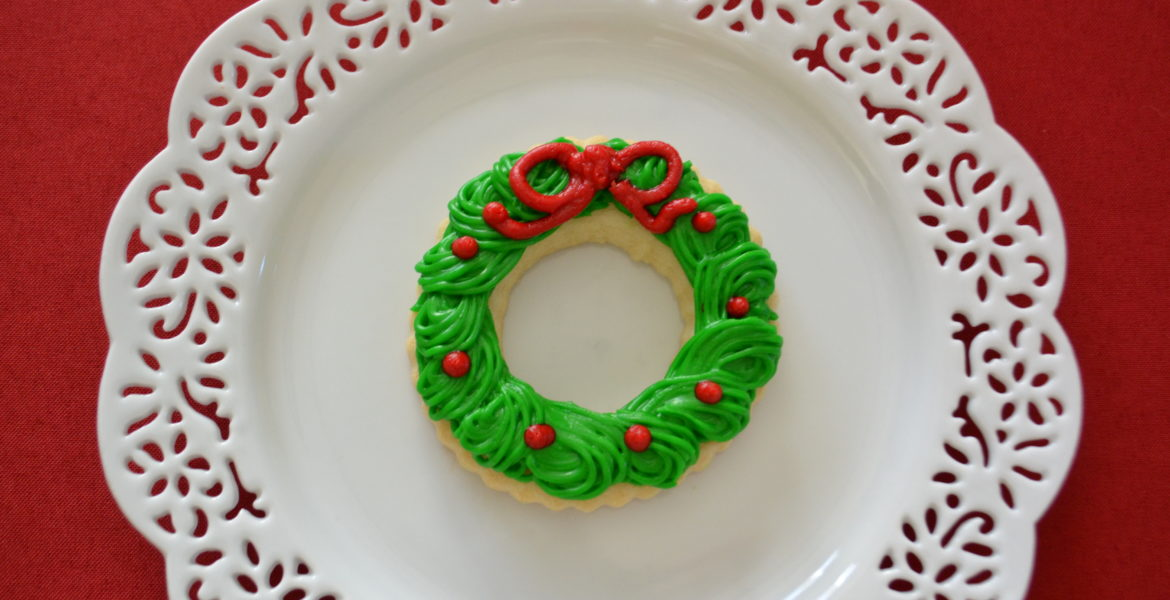 Wreath Butter Cookies with Frosting-lizbushong.com