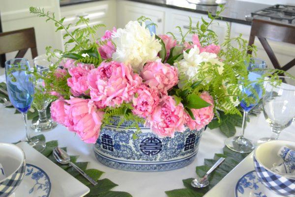 Oriental Blue and White Table Setting lizbushong.com