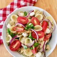 orecchiette caprese salad lizbushong.com
