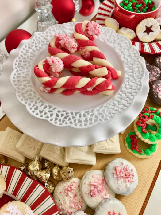 Christmas Cookie Dessert Bar- Candy Cane Cookies lizbushong.com
