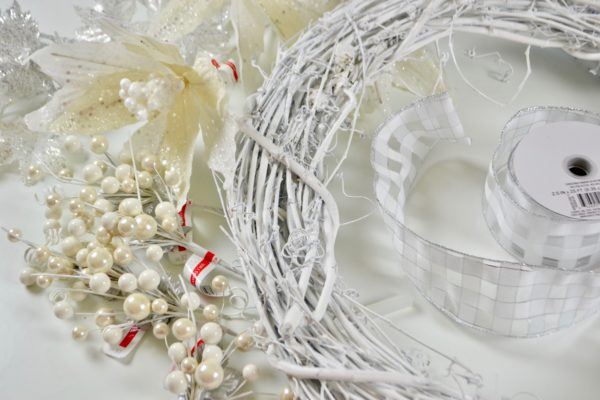 Silver White Winter Wreath DIY Project Supplies lizbushong.com