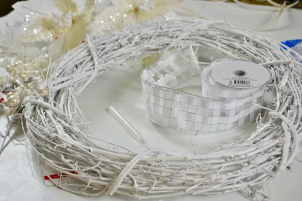 Silver White Winter Wreath DIY Supplies lizbushong.com