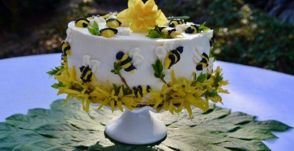 Honey Bee Cake lizbushong.com