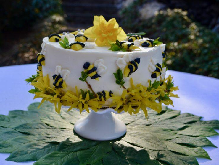 Honey Bee Cake lizbushong.com
