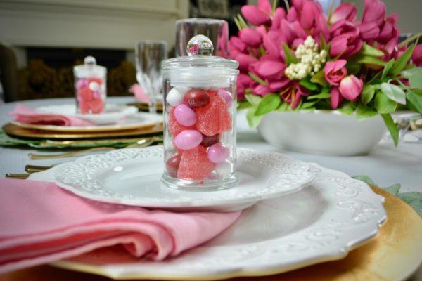 How to set a pretty spring table party favor lizbushong .com
