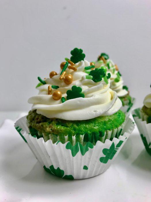 Pistachio Swirl Cupcake Lizbushong.com
