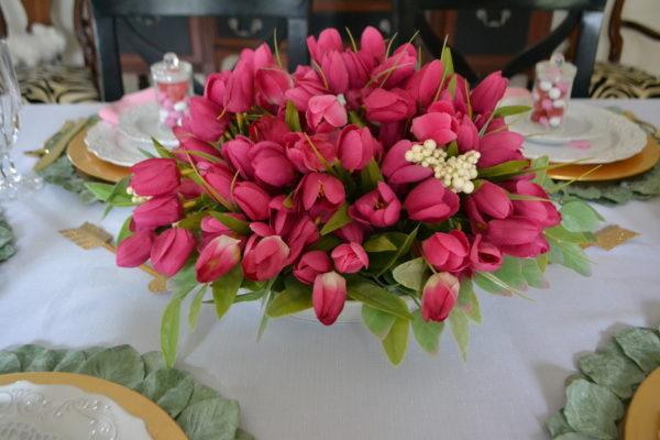 How to Set a Pretty Spring Table with Centerpiece lizbushong.com