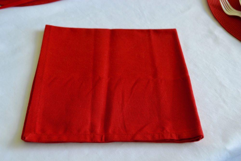 DIY Firecracker Napkin Fold lizbushong.com