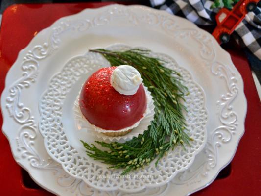 Candy ornamen Vanilla White Chocolate Cranberry Cream cupcakes lizbushong.com