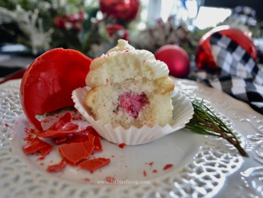 White Chocolate Cranberry Filled Cupcakes lizbushong.com