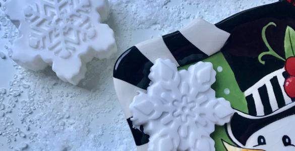 How to Make Snowflake Shaped Soap lizbushong.com