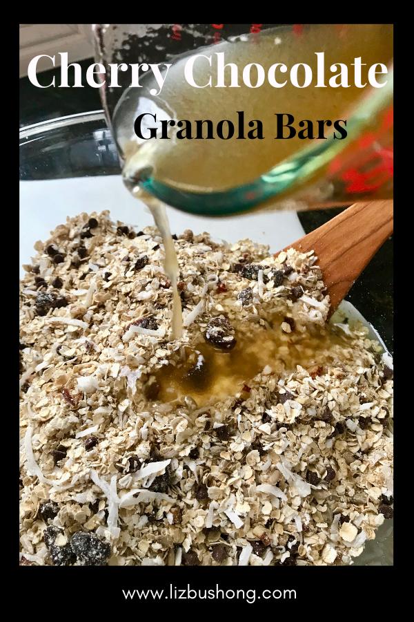 How to Make Cherry Chocolate Granola Bars-www.lizbushong.com