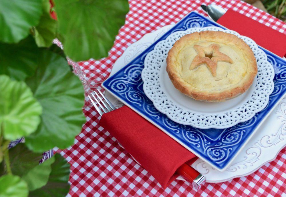 Mini Apple Pie Dessert Place setting lizbushong.com