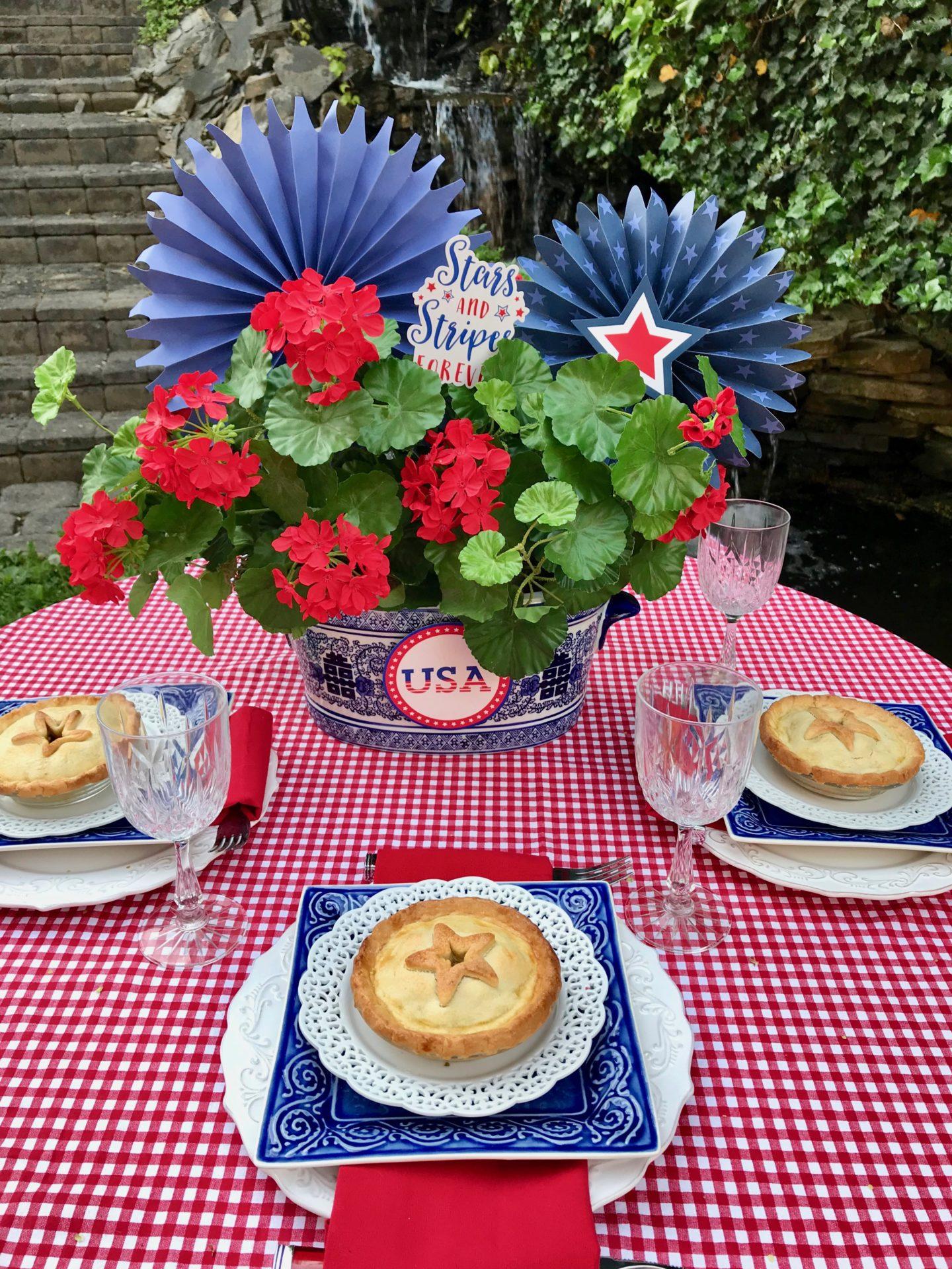How to set patriotic table, mini apple pies lizbushong.com